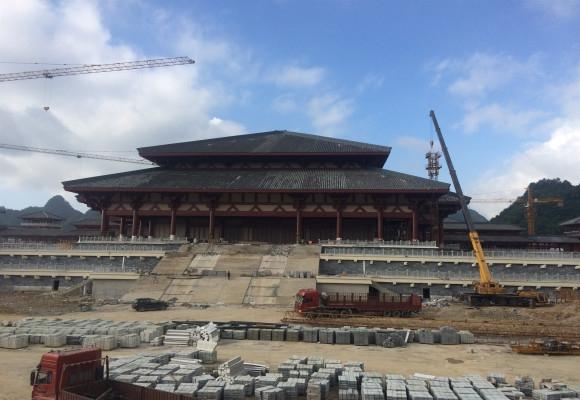 180T贵州影视城塔机拆除工程
